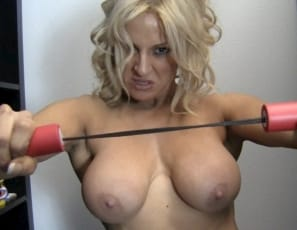 In your virtual session with Yvonne, she's a superheroine with muscle
