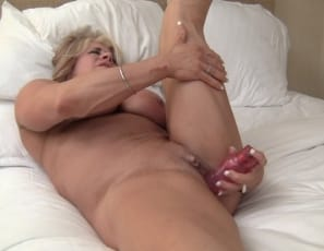 Enjoy watching her make herself cum in close-up and looking at her muscular pecs