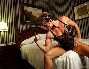 Pumped Mature Muscular Pam