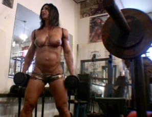 Hot Italian's in the SheMuscle® gym, bodybuilding to keep her biceps big